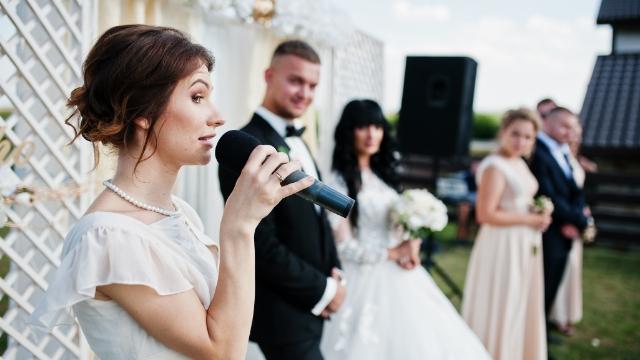 Guy asks if it was wrong to call in-laws 'rednecks' when they laughed at maid of honor's speech.