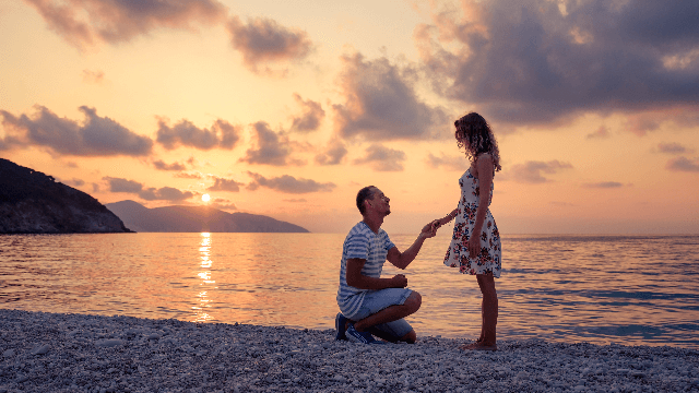 Guy spends five months proposing to his girlfriend, who never catches on.