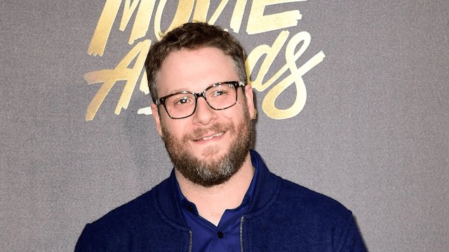 Guy tries to sneak a photo of Seth Rogen, gets a great pic of a really irritated celebrity.