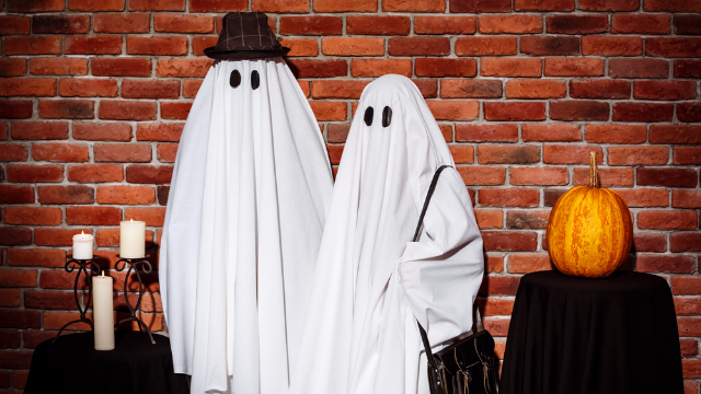 37 couples Halloween costumes so good they might save your relationship.
