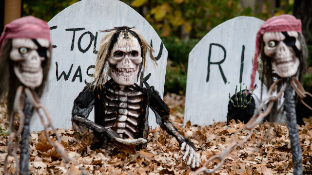 Girl notices her neighbors' Halloween decorations tell a different story every day.
