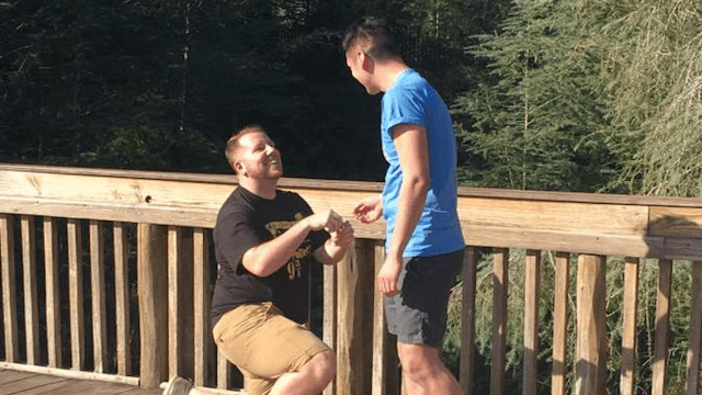 'Harry Potter' super-dork proposed with a ring box appropriate for his chosen one.