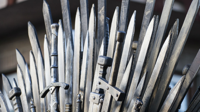 The 'Game of Thrones' cast is as pumped as we are for tonight's episode. Here's how they're prepping!