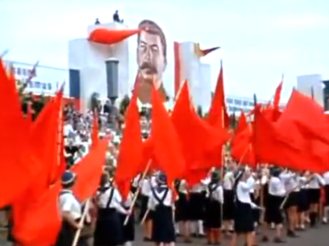 High schoolers in New Mexico vote for 'prom-unism,' a communism-themed prom.