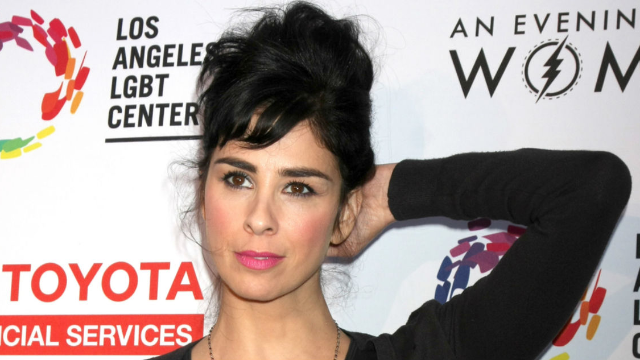 Sarah Silverman responded to a sexist Twitter troll with kindness, and the result was beautiful.