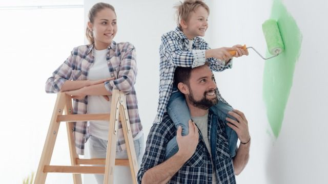 17 people who were on home renovation TV shows share what it was really like.