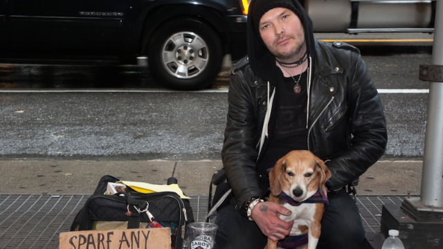 Guy brags he makes $200/hour panhandling in New York City. 'Shut up,' say other panhandlers.