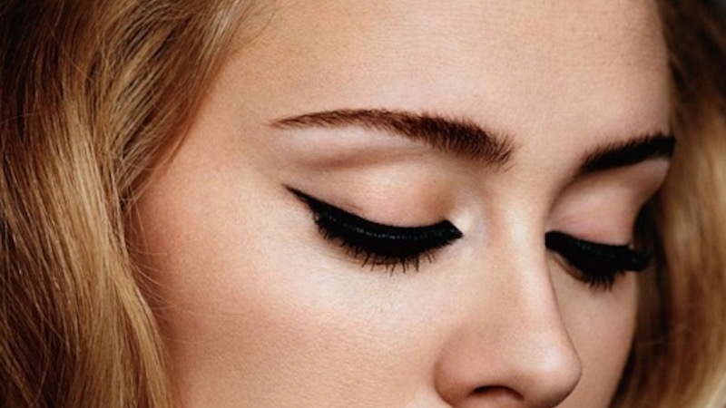 Here is the most important makeup news ever: how Adele's makeup artist does her cat eye.