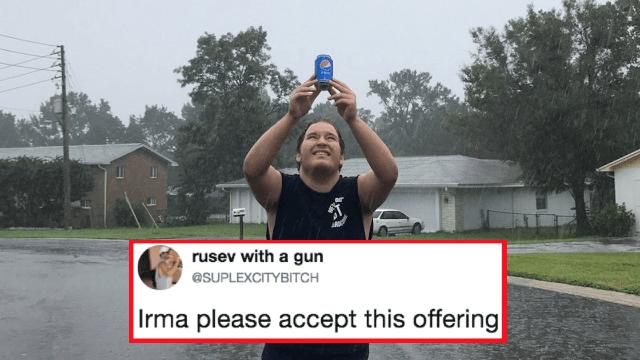 Výsledek obrázku pro hilarious people reacts to hurricane
