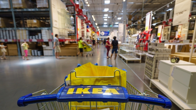 23 IKEA employees share the worst customer meltdowns they have seen.