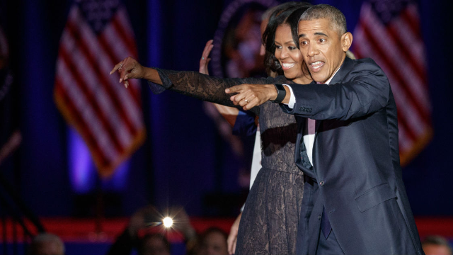 The internet is obsessed with Barack and Michelle Obama dancing at a Beyonce concert.