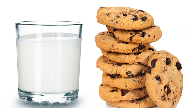 Man asks if he's in the wrong for feeding his vegan niece milk and cookies, internet digs in.