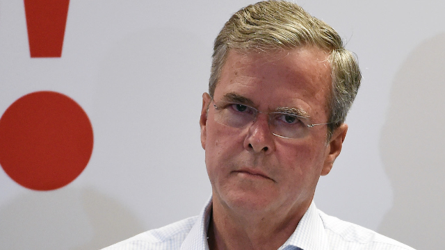 Someone bought JebBush.com and now it goes straight to Donald Trump's website.