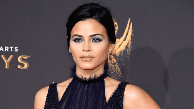 Jenna Dewan Tatum got mom-shamed again, because her booty is too much to handle.