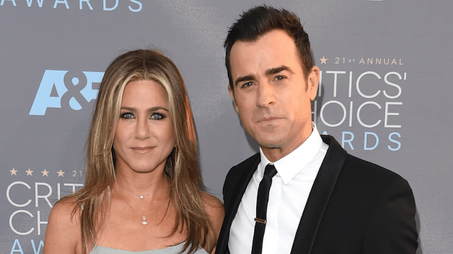 Jennifer Aniston has poor posture in a photo, so she must be pregnant.