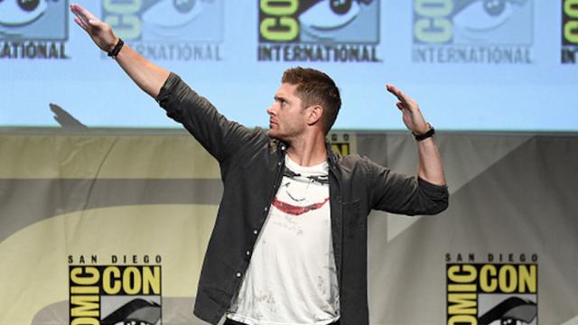Super hot monster hunter Jensen Ackles absolutely slays this Lynyrd Skynyrd cover.