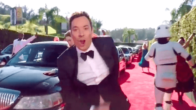 Jimmy Fallon and all your faves go to La La Land in the Golden Globes cold open.