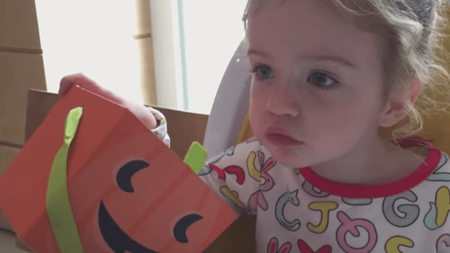 Mean dad Jimmy Kimmel tricked his own daughter into thinking he ate all her Halloween candy.