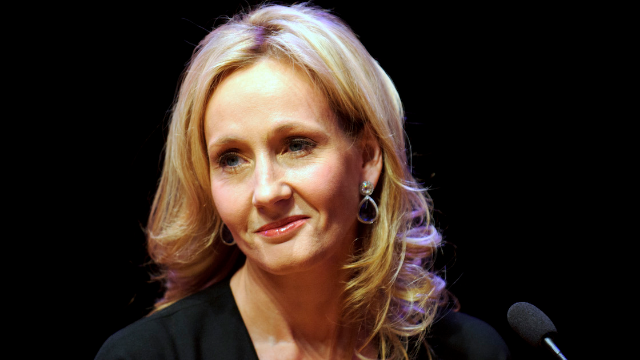 Your favorite sass factory J.K. Rowling just ripped Trump a new one over his ridiculous signature.
