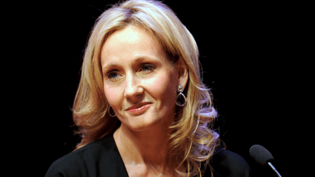 J.K. Rowling shuts down Trump troll who didn't bother to look up her bio.