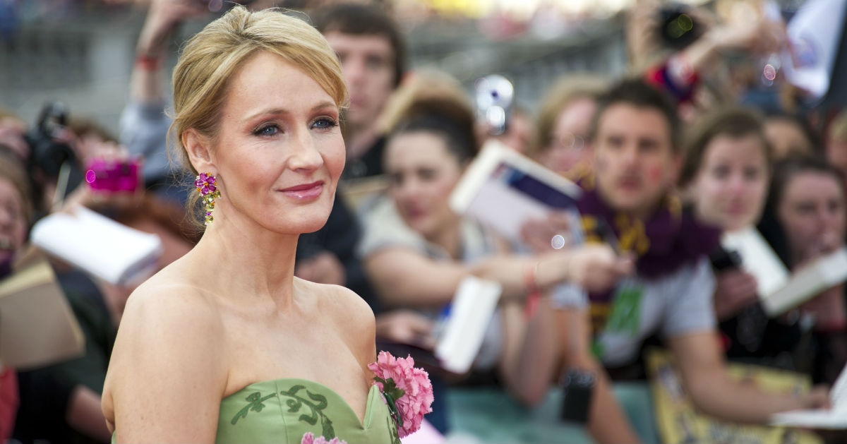 Fans Go Nuts as JK Rowling Confirms Dumbledore, Grindelwald Had 'Intense' Sex