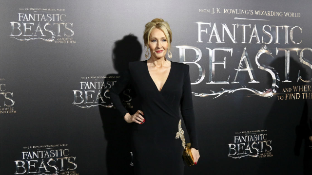 J.K. Rowling sends sweetest gift to broke single dad after his tweet about her books went viral.