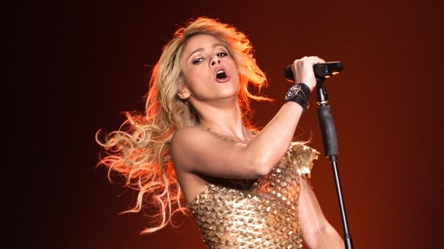 12 tweets debating whether J. Lo and Shakira's Halftime Show was appropriate.