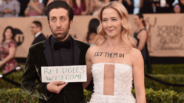 Jocelyn Towne and Simon Helberg had the most powerful red carpet looks at last night's SAG Awards.