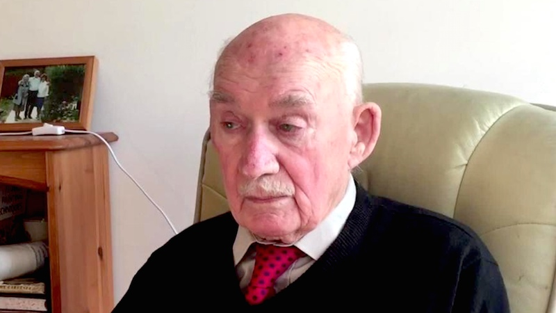 89-year-old veteran posts heartbreaking ad looking for work. Strangers come through for him.