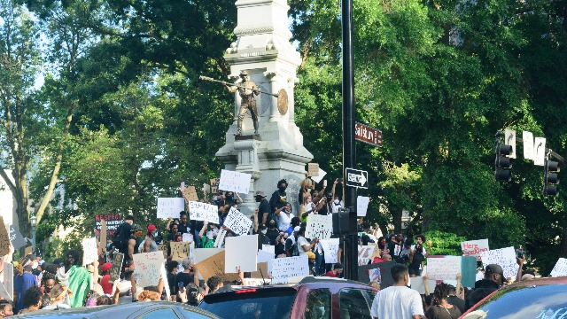 23 of the funniest tweets about protesters toppling statues of Christopher Columbus and Confederate generals.