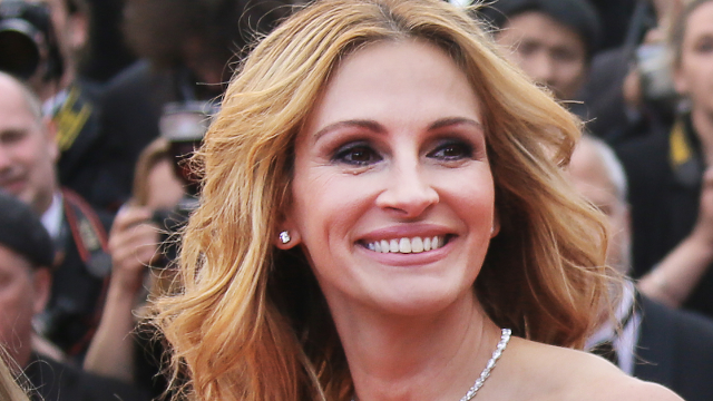 'Holes Get Better With Age': Julia Roberts Newspaper Headline Typo Goes Viral