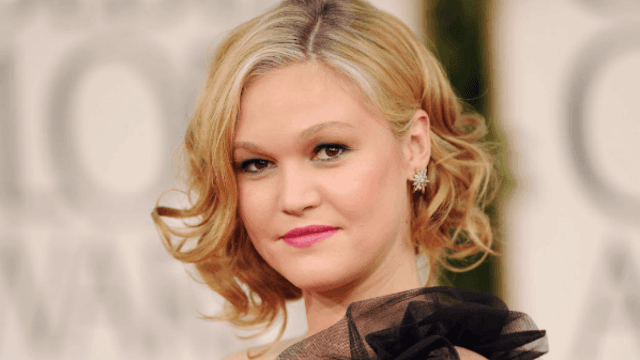 Julia Stiles has a message for the mom-shaming trolls of Instagram.