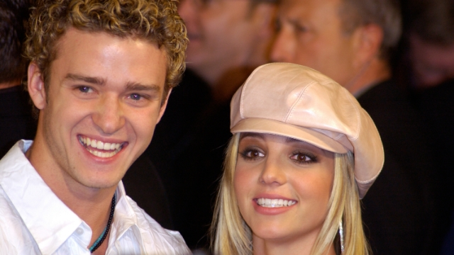 Fans react to Justin Timberlake commenting on Britney Spears dancing to his song.