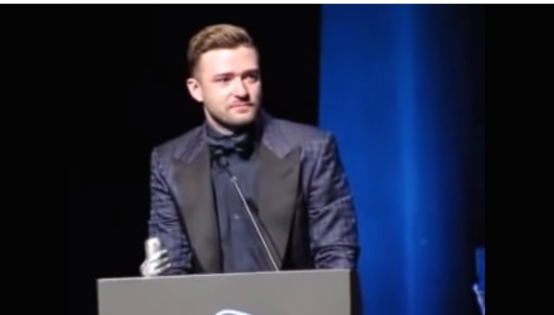 Watch a weepy Justin Timberlake thank Jessica Biel for 3 years of marriage, cry that he's taken.