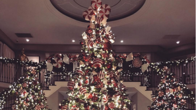 The kardashian family 39 s christmas decor is about as subtle for Ariel christmas decoration