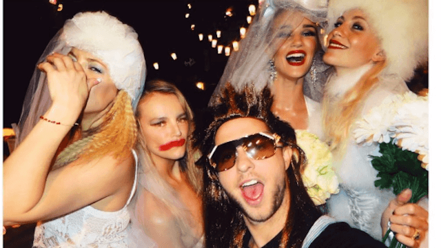 Kate Hudson and her famous friends had a 'hot mess'-themed party. Do they know what 'mess' means?