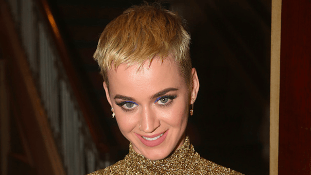 Katy Perry mocks her fans for missing Obama in Instagram Live video. People are upset.