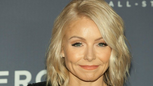 Kelly Ripa defends herself after fans critique her appearance on 'Live' during lockdown.