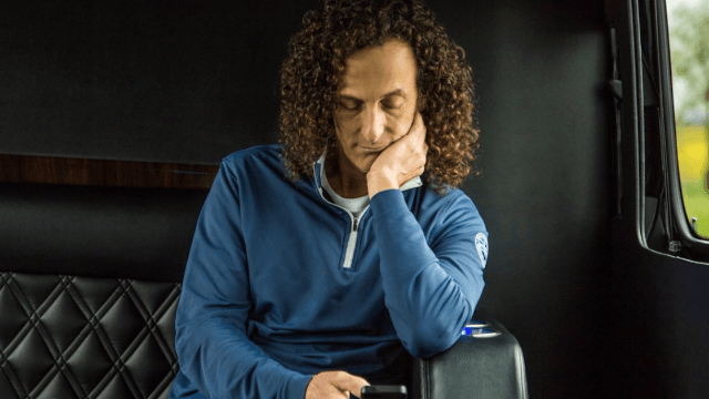 Kenny G turned himself into a meme and Twitter can't handle it.