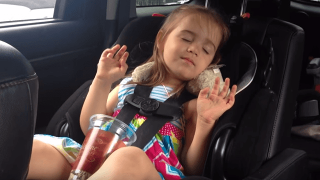 Mom captures daughter dancing to 'Uptown Funk' while half asleep. She's got (drowsy) moves.