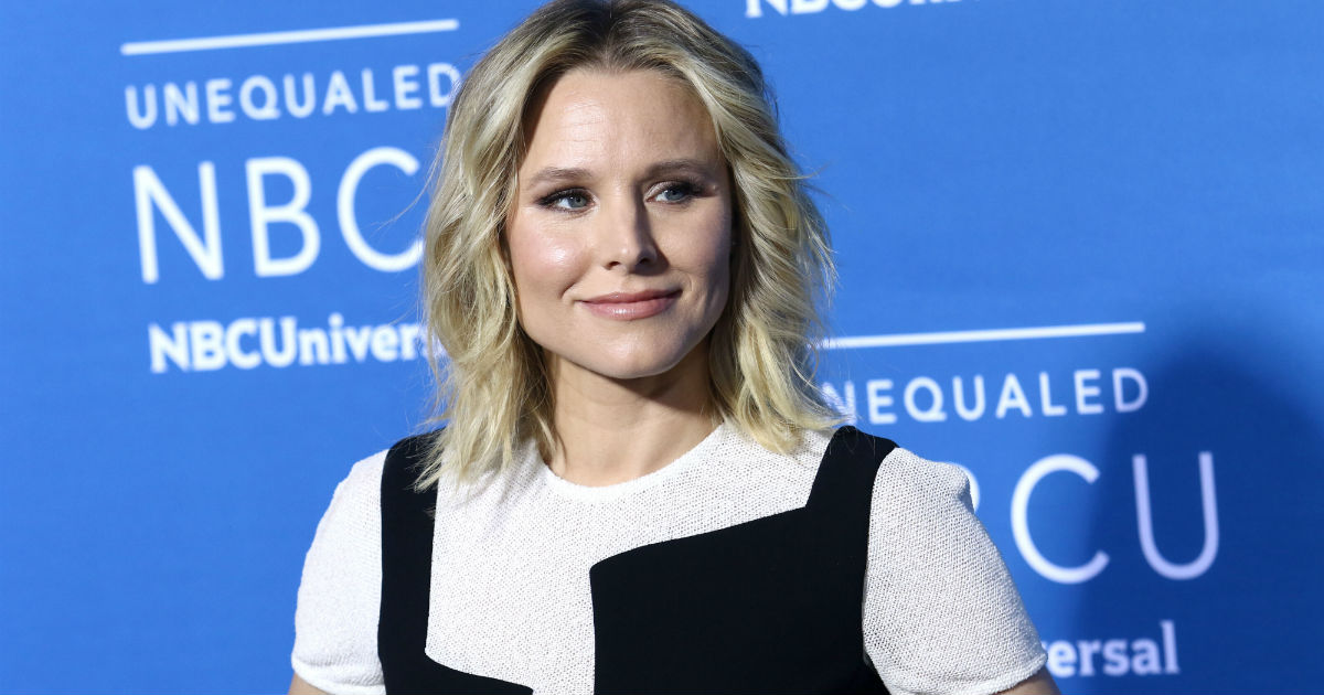 Kristen Bell thinks Disney's 'Snow White' sends bad messages to girls class=