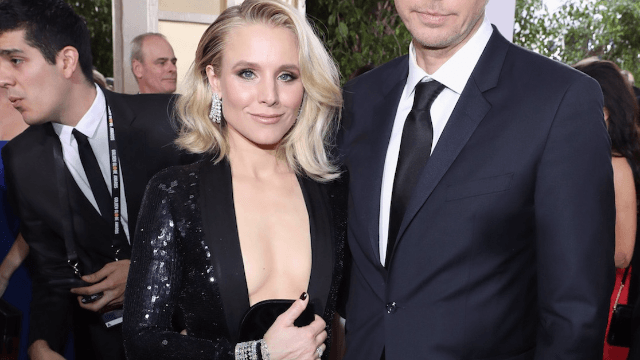 Kristen Bell reveals the sneaky secret to her awesome butt on the Golden Globes red carpet.
