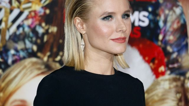 Kristen Bell responds to commenter who claims her and Dax 'can't stand each other.'
