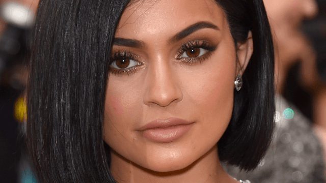 Kylie Jenner's no-makeup, no-filter Snap proves she has a face.