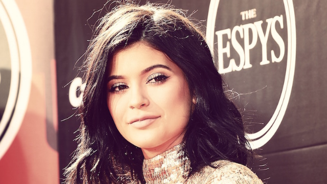 Apparently Kylie Jenner may have pulled a Jan Brady, bought her own birthday present from Tyga.