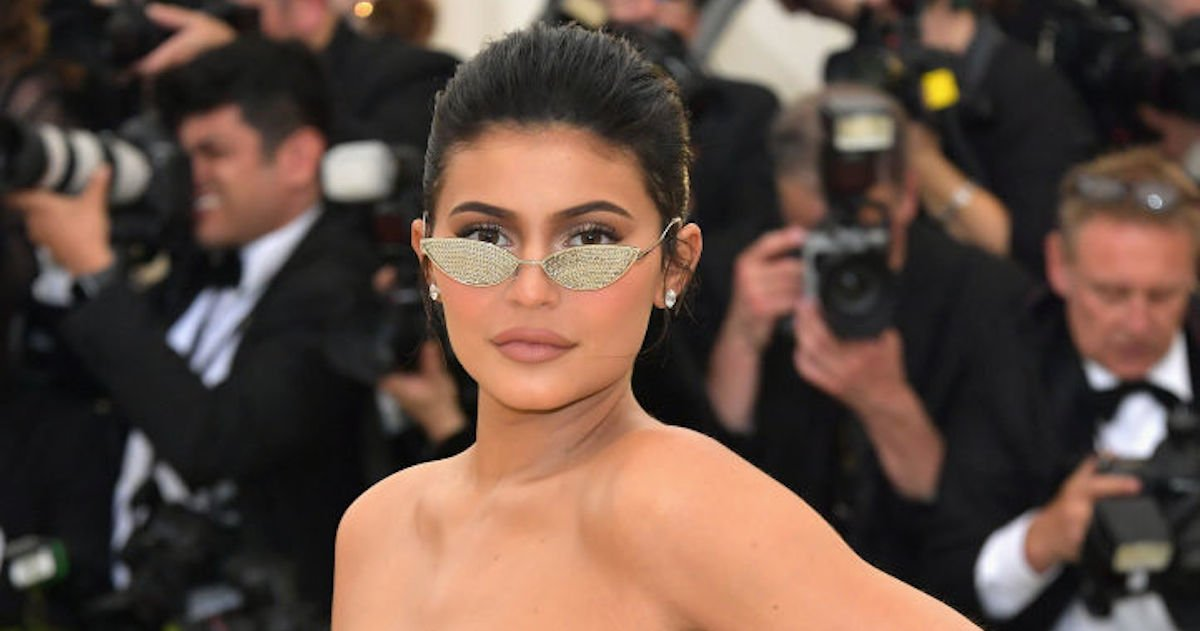 Kylie Jenner went 'makeup free' on the cover of Vogue. Not everyone's buying
