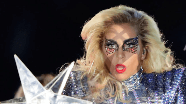 Lady Gaga miraculously changed her makeup mid-performance and people can't get over it.