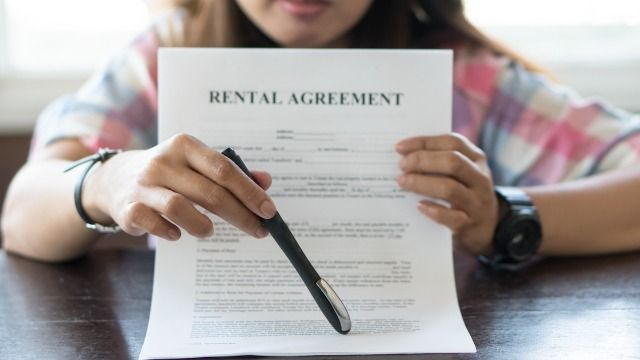 Woman infiltrates FB group for landlords and leaks their secrets in viral thread.