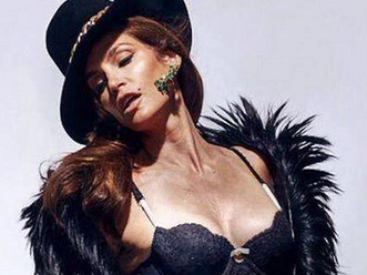 Leaked unretouched photo of Cindy Crawford is so stunning it might as well be used in magazines.