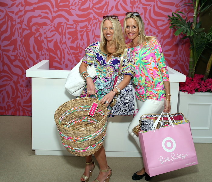 The staff at Lilly Pulitzer really dislike fat white women.